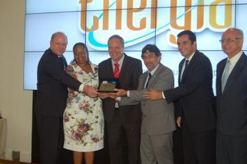Ufes recebe homenagem na abertura da I Semana de Energia